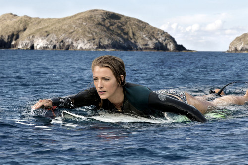 The Shallows fondo de pantalla called Blake Lively