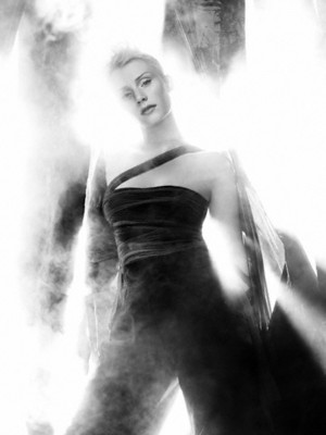 Bryce Dallas Howard - Flaunt Photoshoot - 2006