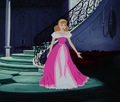 Cinderella's rosado, rosa Dress Make-Over