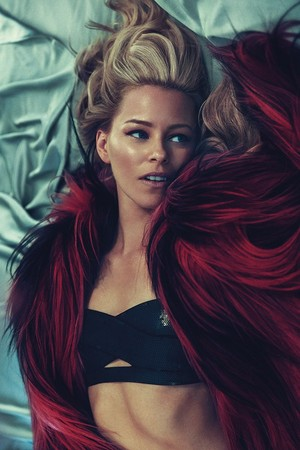 Elizabeth Banks - Allure Photoshoot - June 2015