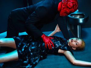 Elizabeth Banks - Flaunt Photoshoot - Summer 2015