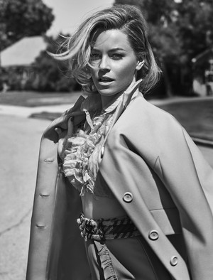 Elizabeth Banks - The Edit Photoshoot - May 2015