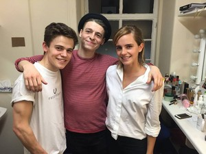 Emma Watson at 'Harry Potter and the Cursed Child' in লন্ডন [July 06, 2016]