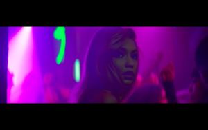 Gigi in Calvin Harris' How Deep Is Your upendo muziki Video