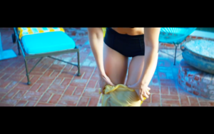 Gigi in Calvin Harris' How Deep Is Your cinta musik Video