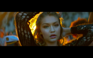 Gigi in Calvin Harris' How Deep Is Your amor música Video