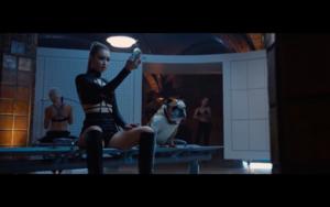 Gigi in Taylor Swift's Bad Blood موسیقی Video