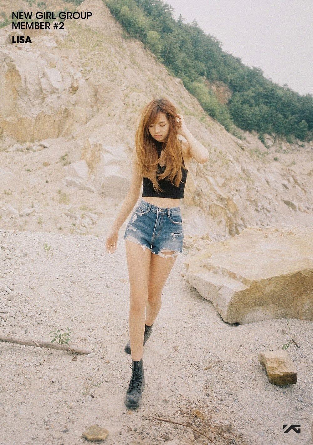 BLACK PINK | Member #2 - Lisa