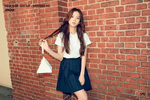 Black 粉, 粉色 壁纸 possibly with a hip boot and a playsuit, 戏剧, 防寒 called BLACK 粉, 粉色 | Member #3 - Jisoo