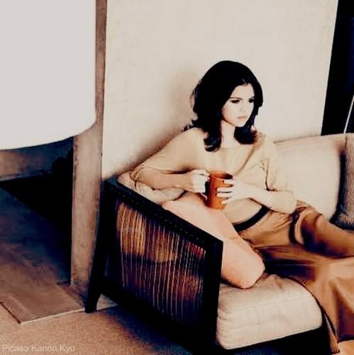 Living Room Selena Gomez