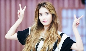 iu With Blonde Hair