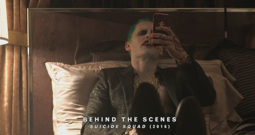 Suicide Squad 바탕화면 probably containing a sign titled Jared Leto as The Joker ~ Behind-The-Scenes