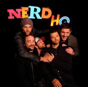 Jensen, Jared, Misha, Mark and Zachary Levi