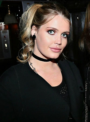 Lady Kitty Spencer Churchill Dior.JPG