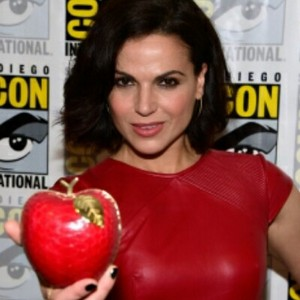Lana Parrilla at 2016 Comic Con