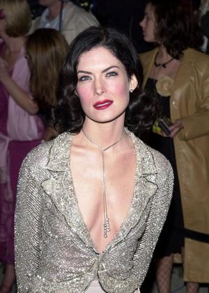Lara 2001