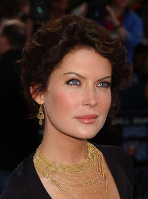 Lara 2004