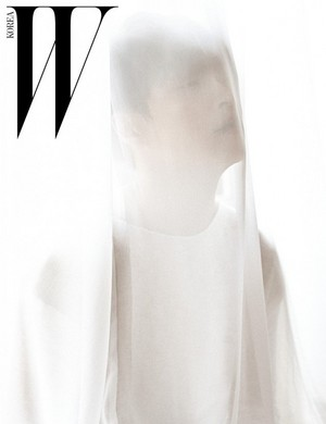Lay for 'W Korea'