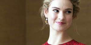 Lily James HD achtergronden for Mobile 660x330