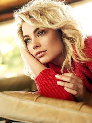 Margot Robbie - Glamour Photoshoot - November 2013