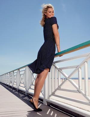 Margot Robbie - Vanity Fair Photoshoot - August 2014