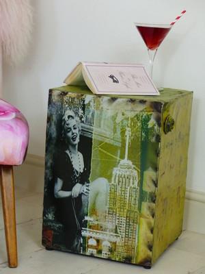 Marilyn Monroe table.JPG