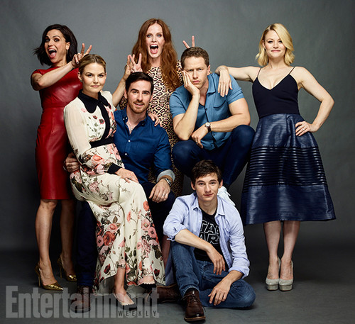 Once Upon A Time kertas dinding containing a bridesmaid called Once Upon A Time Cast @ Comic-Con 2016