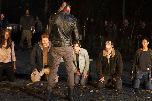 The Walking Dead پیپر وال containing a business suit entitled Season 6 finale