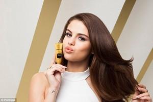 Selena New Pantene Advert