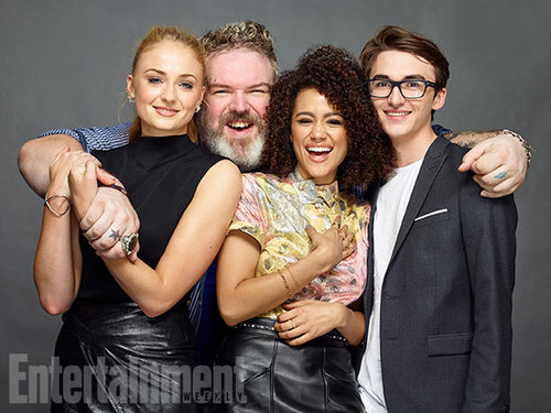 गेम ऑफ थ्रोन्स वॉलपेपर with a business suit called Sophie Turner, Kristian Nairn, Nathalie Emmanuel, and Isaac Hempstead Wright