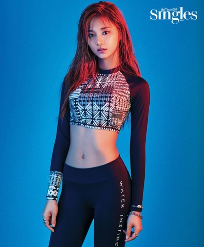 Twice (JYP Ent) वॉलपेपर probably with a legging, a hip boot, and a playsuit, नाटककार titled TWICE in 'Singles'