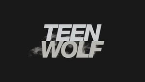 Teen بھیڑیا Logo