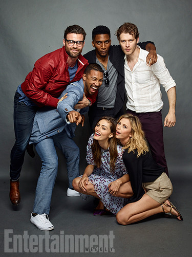 ang mga orihinal wolpeyper possibly containing a business suit, a well dressed person, and long trousers titled The Originals Cast at San Diego Comic COn 2016