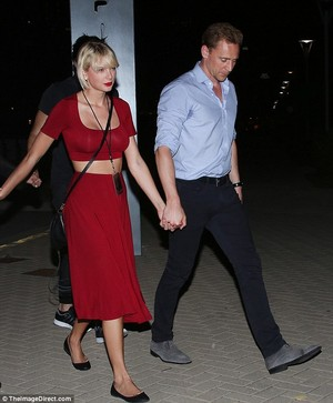 Tom and Taylor leaving Selena Gomez's সঙ্গীতানুষ্ঠান 6/21