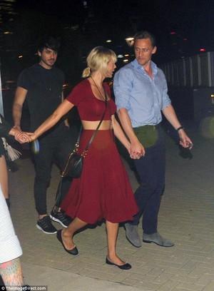 Tom and Taylor leaving Selena Gomez's концерт 6/21