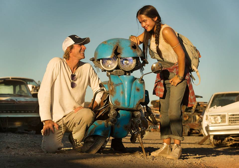 Transformers: The Last Knight - Introducing Isabela Moner and NEW Transformers, Squeaks