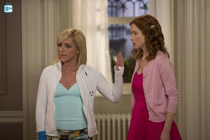 Unbreakable Kimmy Schmidt - Jacqueline and Kimmy