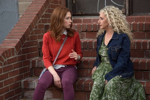 Unbreakable Kimmy Schmidt wallpaper probably with a street, a hip boot, and a koktil, koktail dress entitled Unbreakable Kimmy Schmidt - Kimmy and Lillian