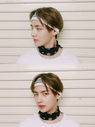 वी (बी टी एस )#A club for Kim Taehyung a.k.a V, the vocalist of BTS! वॉलपेपर entitled V💋 ❤