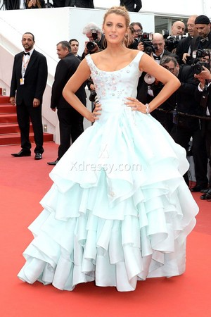 blake lively baby blue tiered ruffled ball toga celebrity prom dress cannes 2016 1