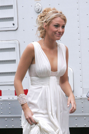 blake lively gossip girl fashion off white long celebrity bridesmaid dress