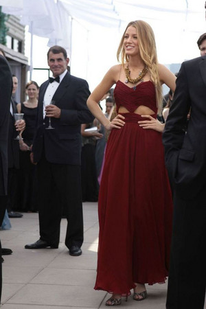 blake lively pleated burgundy chiffon cut out prom dress gossip girl fashion