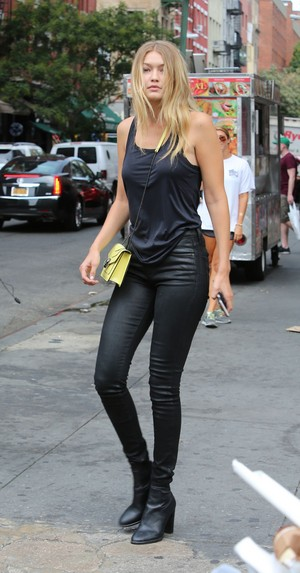 gigi hadid casual style new york city september 2015 1