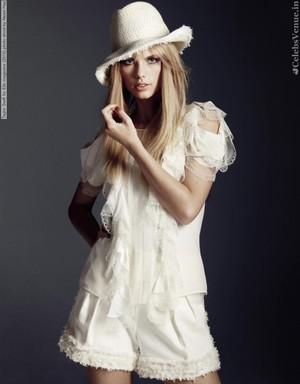i36824 taylor pantas, swift for elle magazine 2010 foto shoot sejak alexei hay 003 800x1024