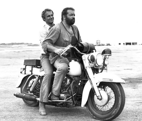 Bud Spencer karatasi la kupamba ukuta with a motorcycle cop entitled screen budTerence 03