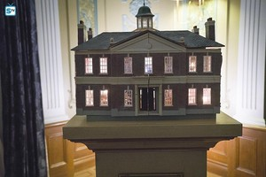 1x11 - Freedom from Fear - Doll House