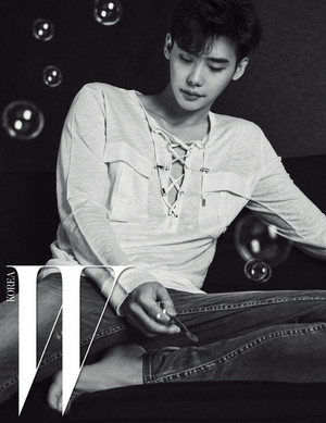 ADDITIONAL IMAGES OF LEE JONG SUK FOR W KOREA