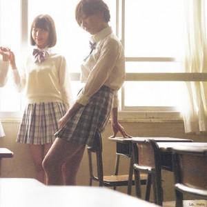 AKB48 LOVE TRIP Miyawaki Sakura and Suda Akari