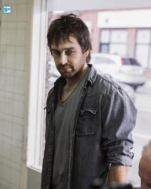 Antony Starr as Garrett Hawthorne in American Gothic