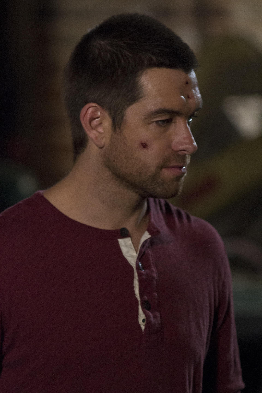 Antony Starr as Lucas capucha, campana in 'Banshee'
